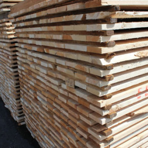 In March 2017, Russian softwood lumber exports reached its historic peak of 2.5 million m3 (+11% yoy)