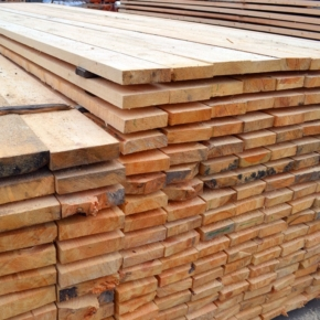 Slight rise in China's tropical sawnwood import volume