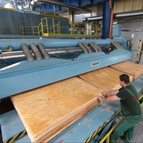 Russia reduced the production of wood-based panels in 2020