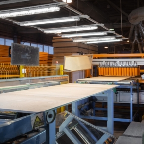 Sveza mill in St. Petersburg has begun the production of plywood of a new format