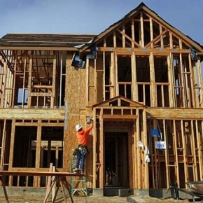 U.S. single-family housing starts decline further in August 2021