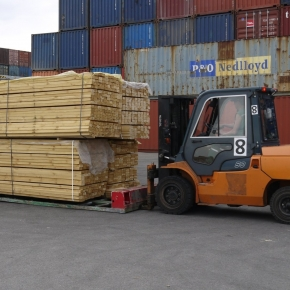 In January-August 2021, Russia reduced its export of sawn timber by 4.5%