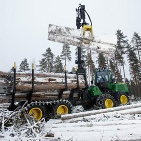 John Deere к зиме увеличит на 40% мощности по производству лесозаготовительной техники в Финляндии