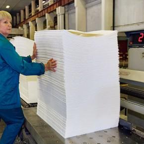 Новая буммашина Группы «Илим» в Коряжме выпустила первую бумагу
