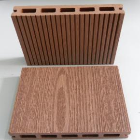 В Тюмени поддержали реализацию проекта по производству древесно-песчано-полимерного композита