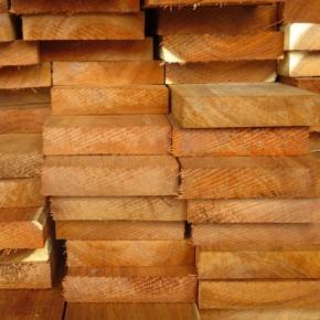 В 2020 г. в США резко снизился импорт пиломатериалов из тропических лиственных пород