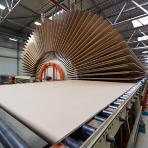 В России начало расти производство древесных плит