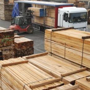 В январе-апреле 2021 г. Россия снизила экспорт пиломатериалов на 5,2%