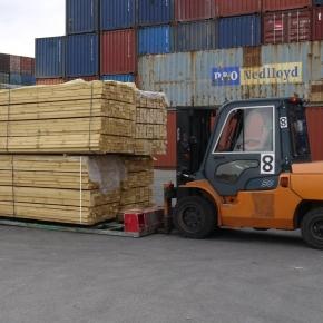 В январе-августе 2021 г. Россия снизила экспорт пиломатериалов на 4,5%